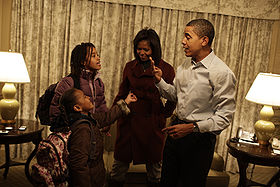 280px-sasha_and_malia_obama_prepare_for_school1